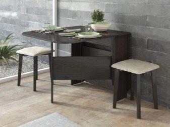 Piccolo tavolo da cucina: tavolini vicino alla finestra ...
