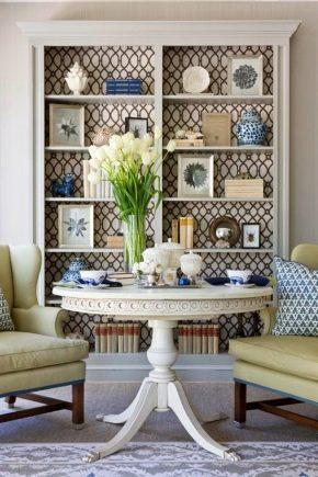 Estanterías en el interiorismo de la sala de estar.