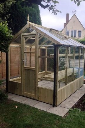 How to build a greenhouse of wood?