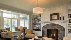 Virtuve-dzīvojamā istaba ar kamīnu