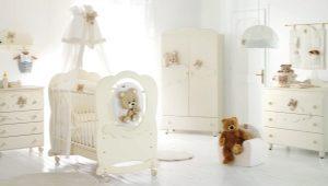 Ξύλινα βρεφικά κρεβάτια