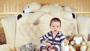 Καναπές σε παιδικό δωμάτιο για το αγόρι