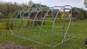 Greenhouse frame: the choice of material and manufacturing features
