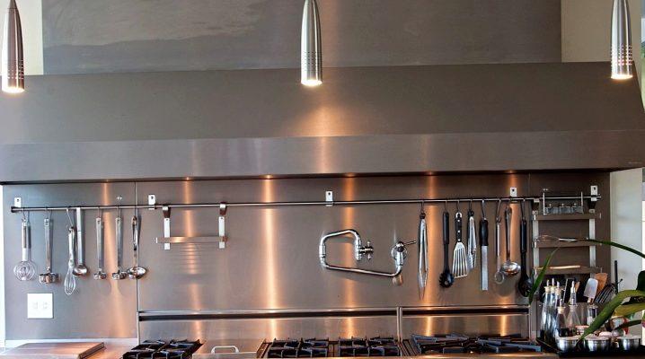 Ripiani per ringhiera in cucina (33 foto): ripiani metallici ...