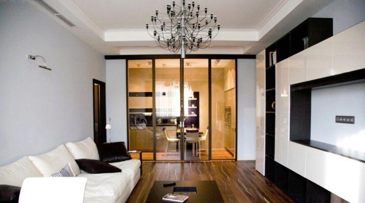 El diseño de la sala de estar de 17 metros cuadrados.m en una casa de paneles: ideas interesantes y decoración