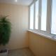 Fertigstellung des Balkons mit Kunststoffplatten