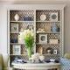 Plaukti dzīvojamās istabas interjera dizainā