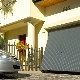 Lifting garage doors: pros and cons