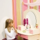Children's dressing table with a mirror for girls: features of choice