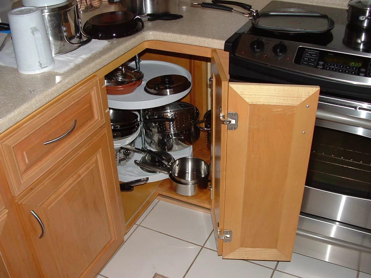 Carrousel Voor Keuken.Carrousel Voor De Keuken In De Onderkast Voor De Bovenkast