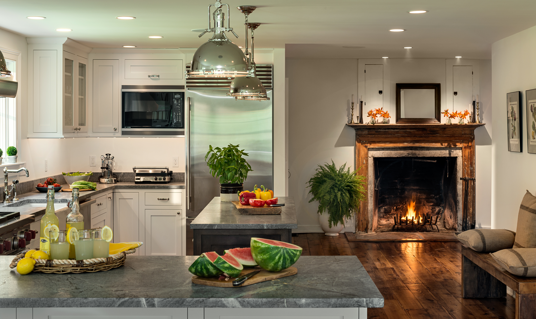 Cucina con camino (67 foto): valutazione di stile interno ...
