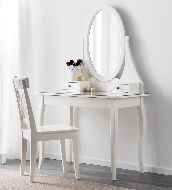 Coiffeuses Ikea (38 photos): une table blanche pour la ...