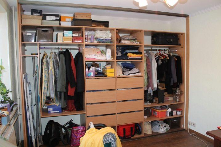 خزانة ملابس داخل غرفة النوم ذات أبعاد 58 صورة تعبئة داخلية وتصميم ركن جانبي 2 و 3 أمتار