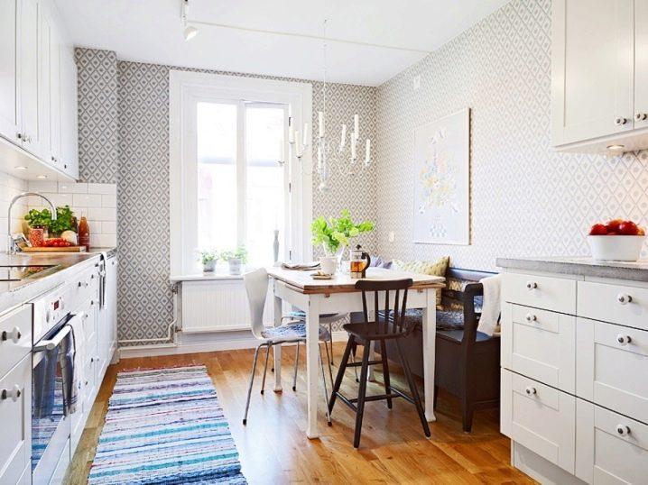 Kleine Tische für die Küche (109 Fotos): runder Küchentisch und Bartheke
